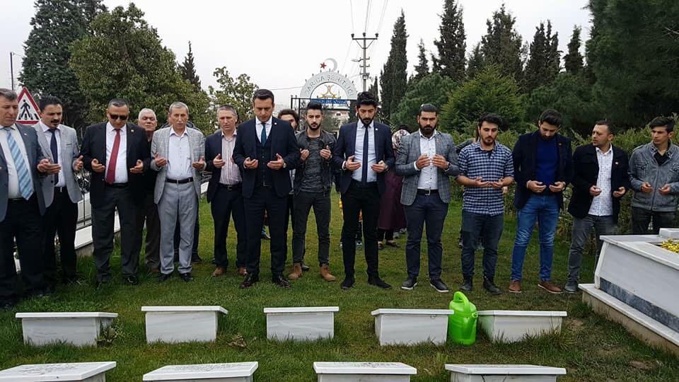 CHP Darıca'dan şehitlik ziyareti