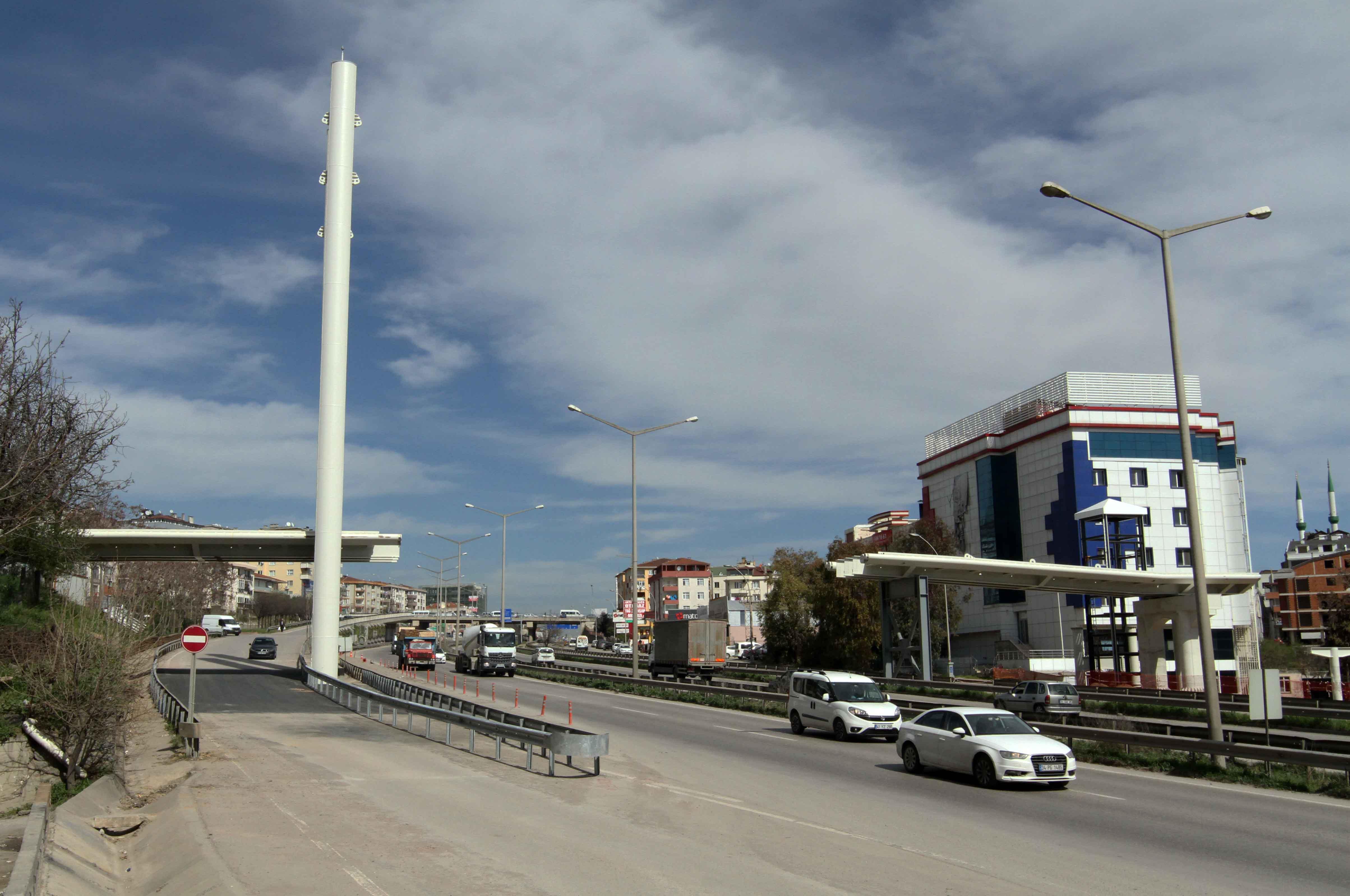 Gebze'nin ilk büyük yaya köprüsü