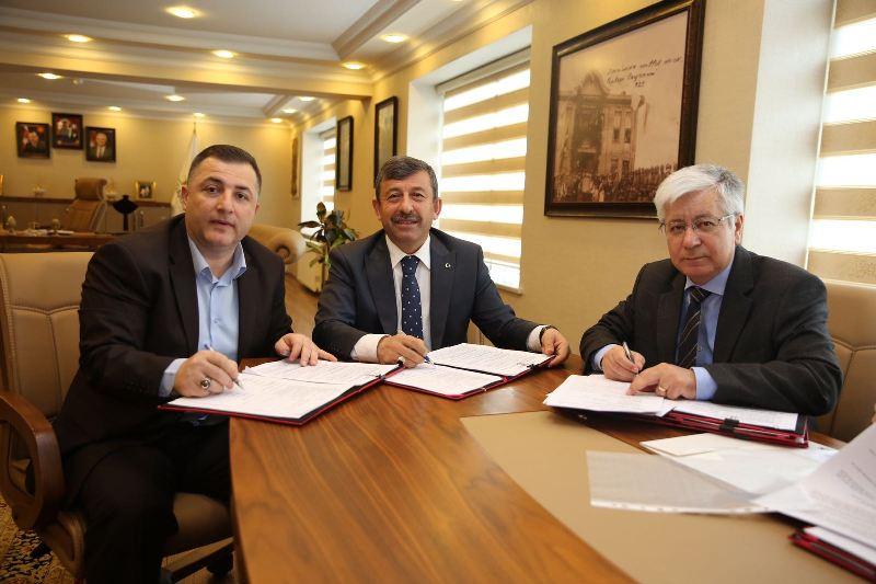 Darıca Belediyesi'nde sözleşme imzalandı