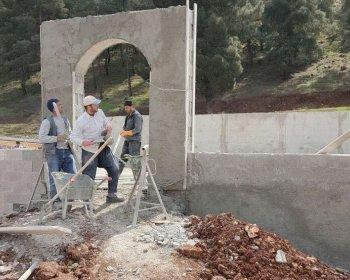 Sınırda Namazgah yaptırıyor