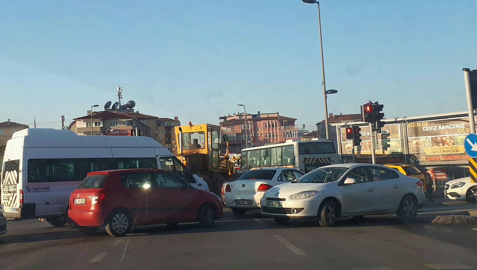 İstasyon Caddesi'nden trafik karmaşası