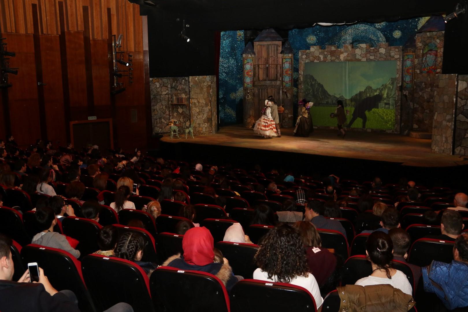 Dünya Tiyatrolar Günü kutlandı