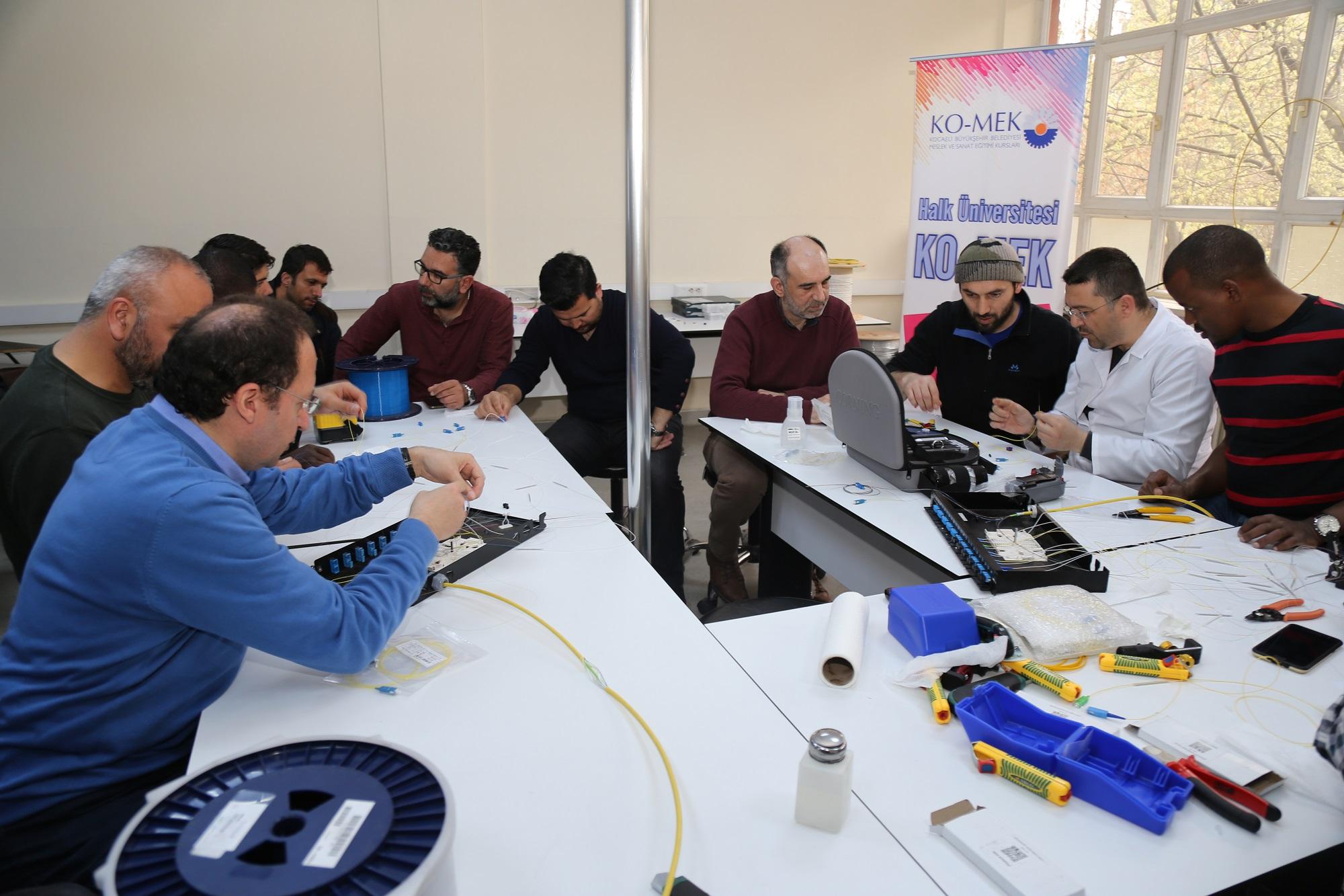 TRT çalışanlarına eğitim