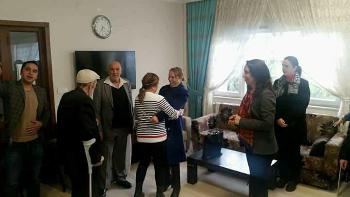 CHP'li kadınlar huzurevine gitti