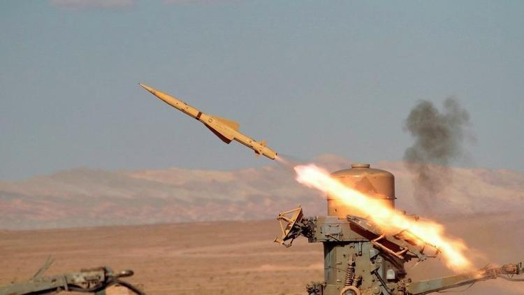 Son dakika... Suriye'de askeri havaalanı vuruldu
