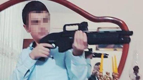 Pompalı tüfekle poz verirken arkadaşını öldürdü