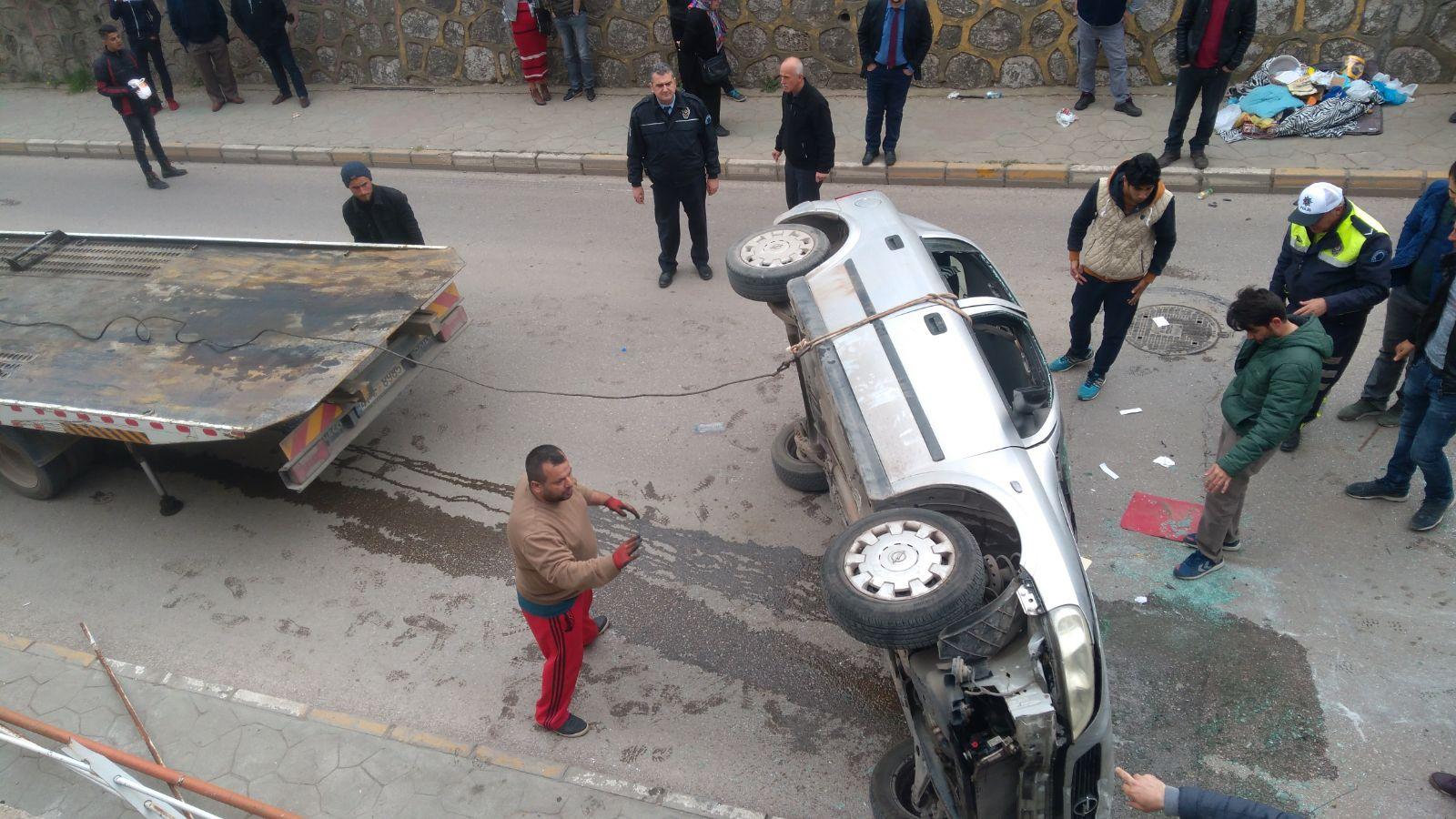 Otomobil yola düştü: 1 yaralı
