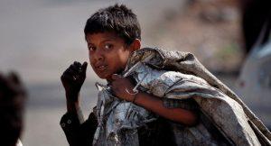 Sokakta çalıştırılan çocukların ailelerine ceza