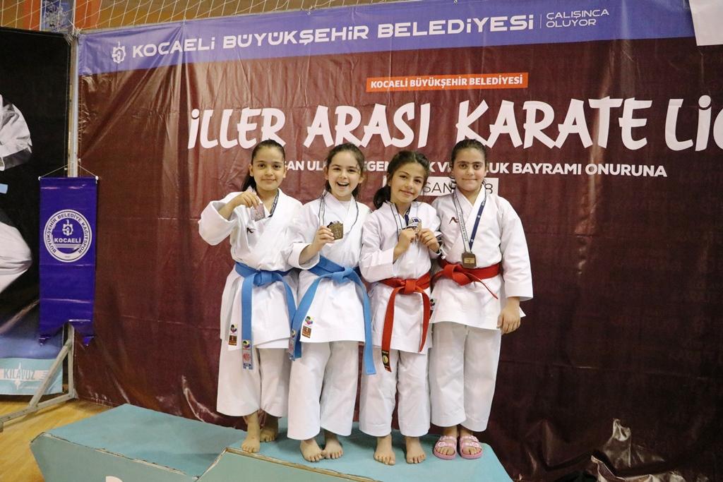 Karateciler 23 Nisan coşkusu yaşattı