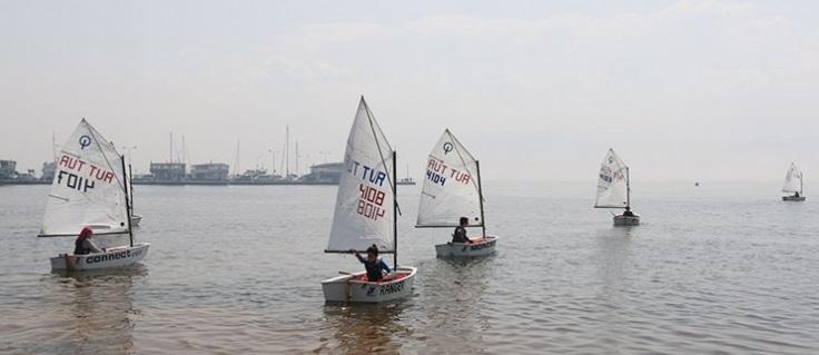 Yelkenler, şampiyonluk için açıldı