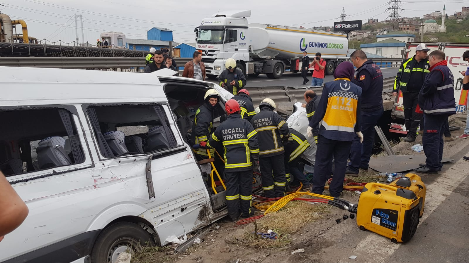 Vali Aksoy'un ve Kaymakamların eşleri kaza da yaralandı