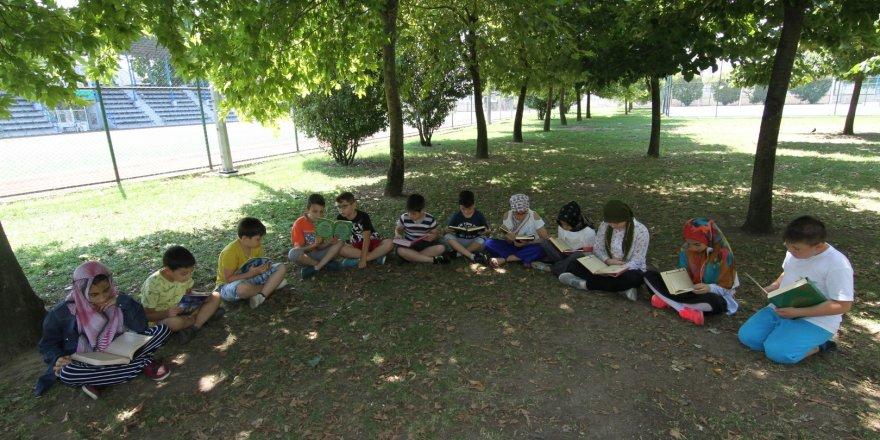 Bilgievi öğrencilerinden şehitlerimize Yasin