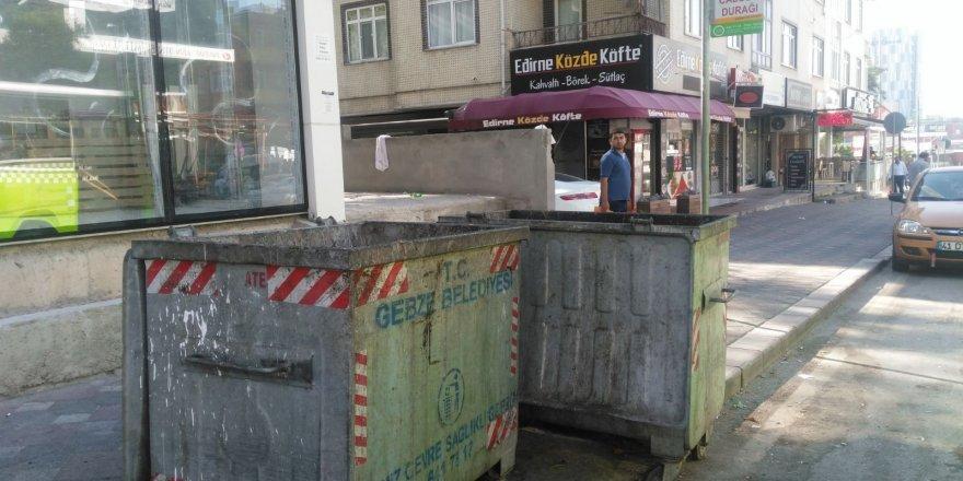 Çöp konteynırları pislik içinde!