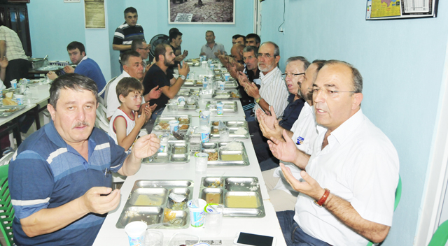 Kastamonululardan geleneksel iftar yemeği