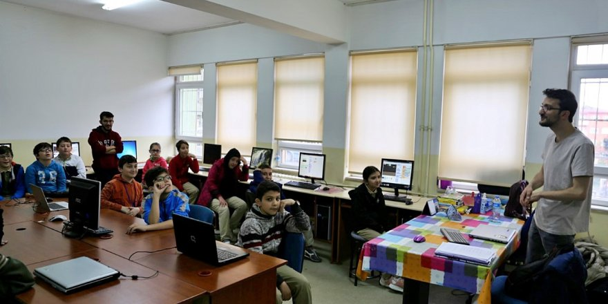 GTÜ öğrencileri yazılım ve kullanımı anlattı