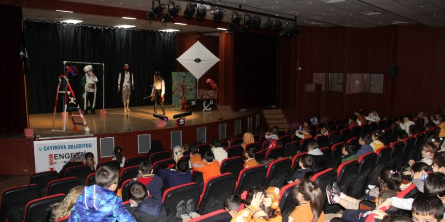ÇAYIROVA BELEDİYESİ:Ücretsiz Tiyatro Günleri Devam Ediyor