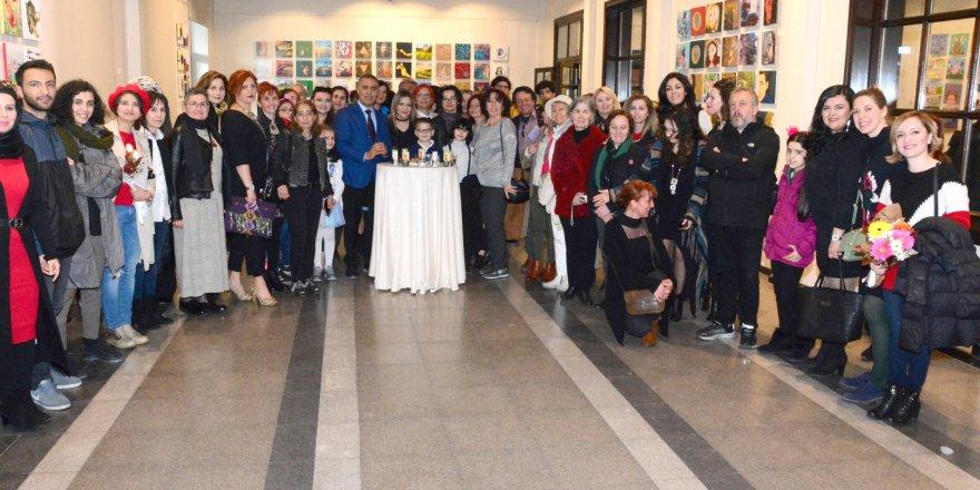 Dünya Sanat Günü 30x30 Resim Sergisi