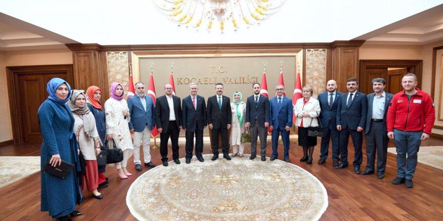 Kızılay Vali Aksoy'u ziyaret etti
