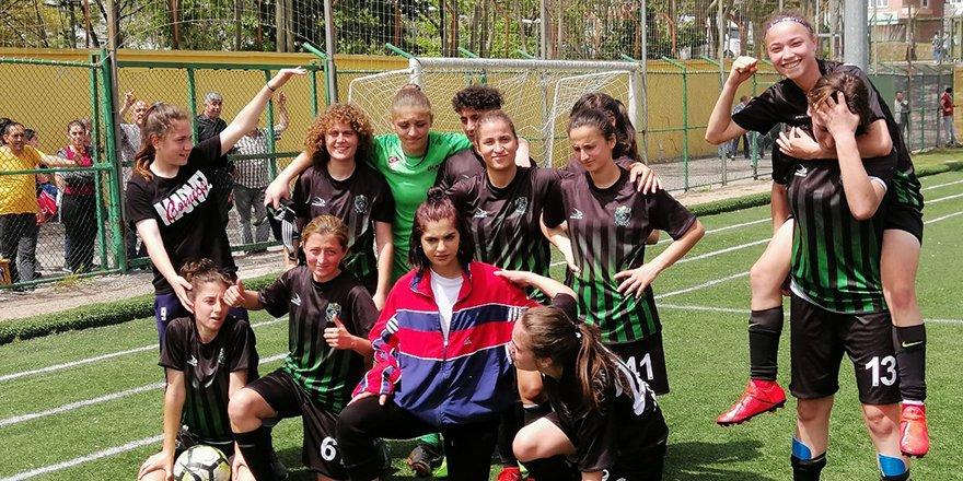 Kocaeli Bayan FK 1.Lig'de: 6-1