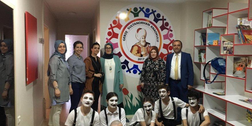 Anibal Anadolu Lisesinden pandomim gösterisi