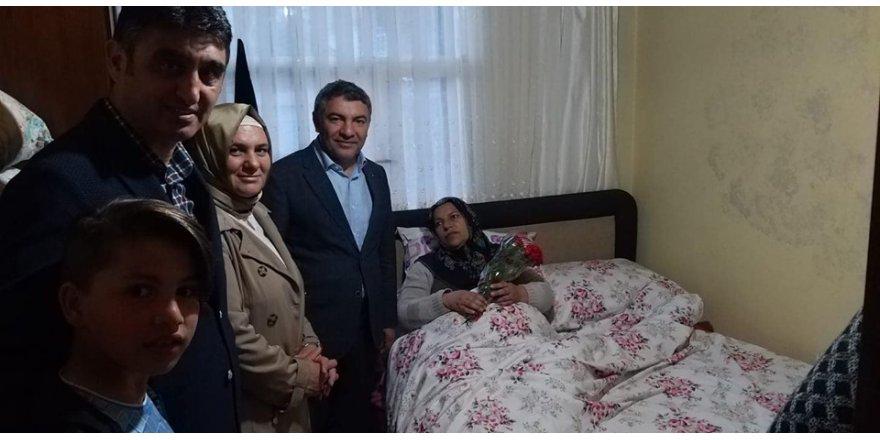 HAMZA ŞAYİR:   Şehit Annesine ziyaret