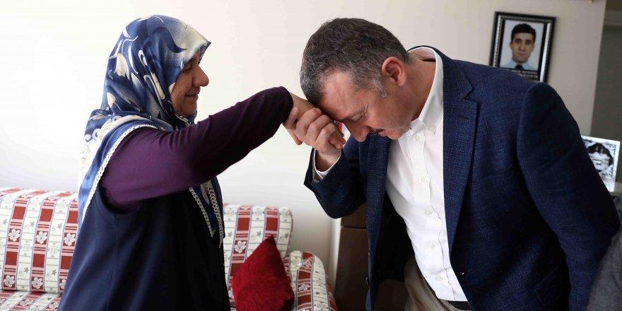 """BÜYÜKAKIN:  """"Anneler şefkatin, merhametin sembolüdür"""""""