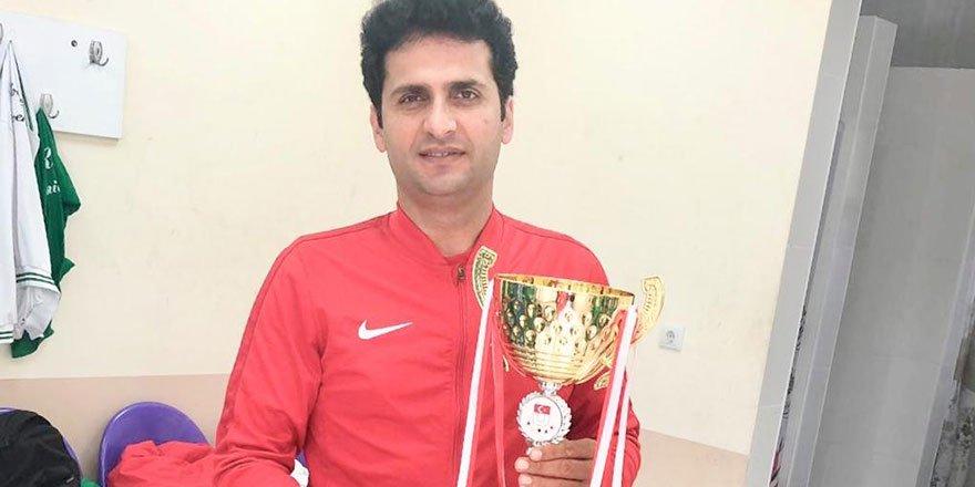 KOÜ futbol takımı şampiyon oldu