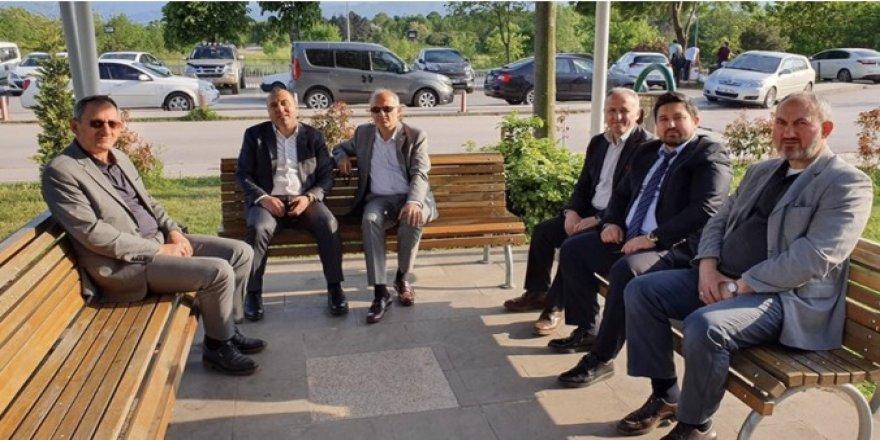 Adnan Sak ziyaretçilere teşekkür etti