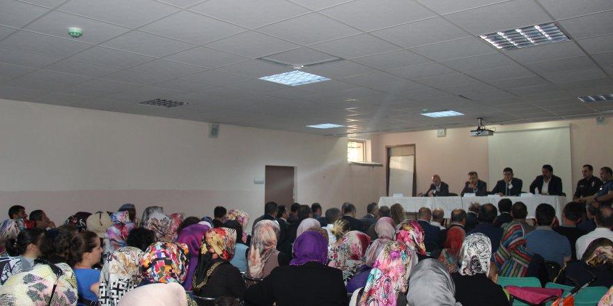 ÇAYIROVA:  Halk ve güvenlik toplantısı yapıldı