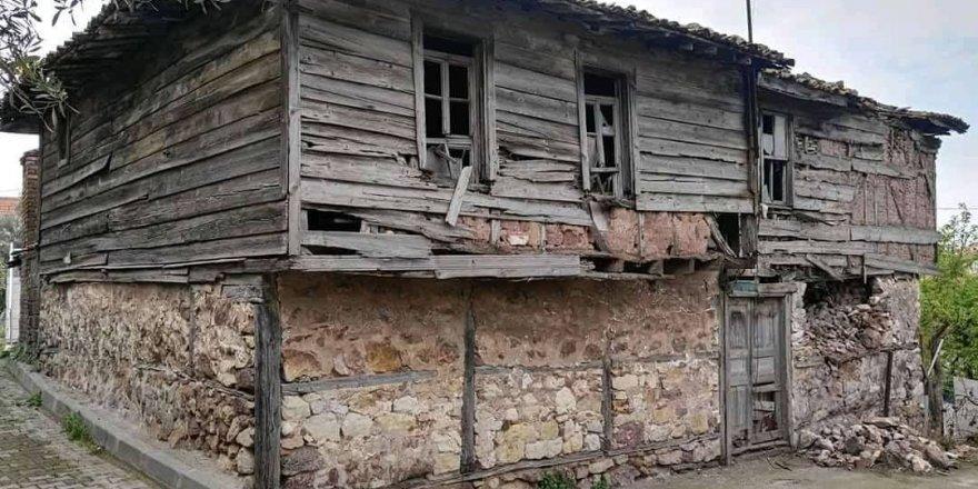 TAVŞANCIL:  Yahya Kaptan evi  kaderine terk edildi