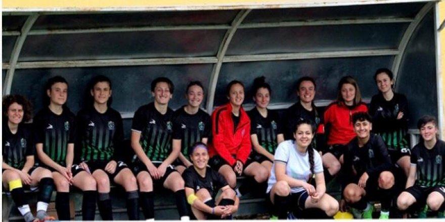 Kocaeli Bayan FK Ligi ikinci sırada tamamladı