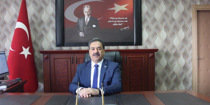 """GEBZE KAYMAKAMI MUSTAFA GÜLER:  """"Atatürk Cumhuriyeti gençlere emanet etti"""""""