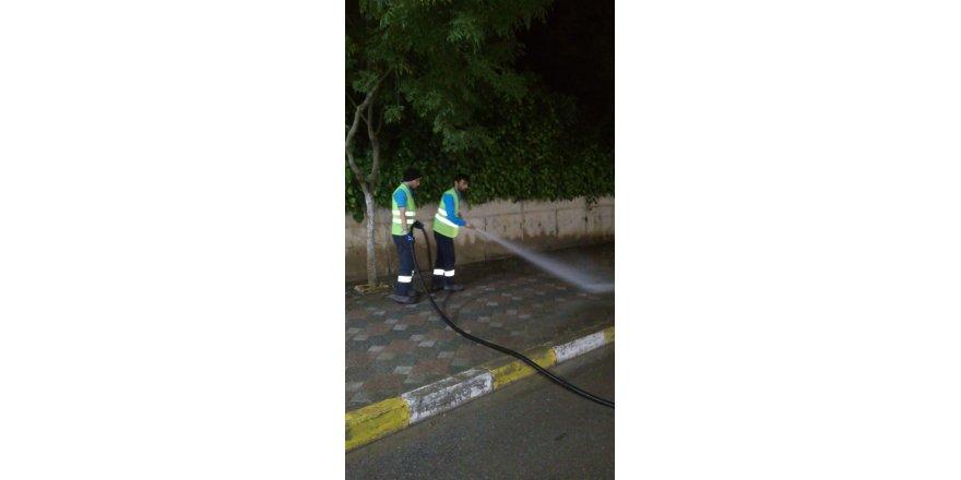 DARICA'DA:  Cadde ve sokaklar yıkanıyor