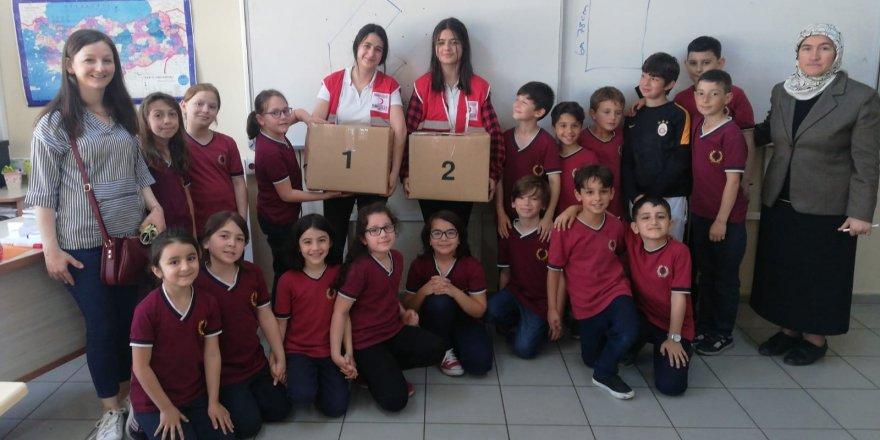 Öğrencilerden Kızılay'a destek