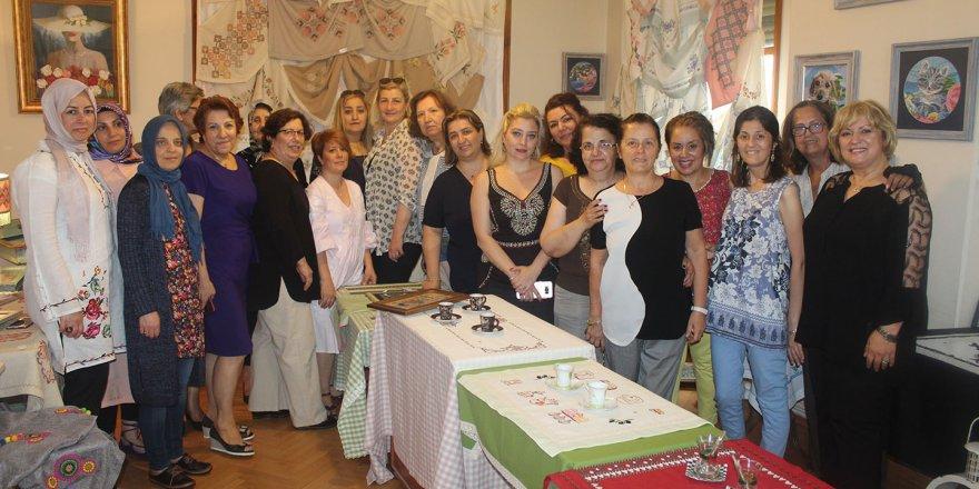 Üreten kadınlardan  mefruşat sergisi