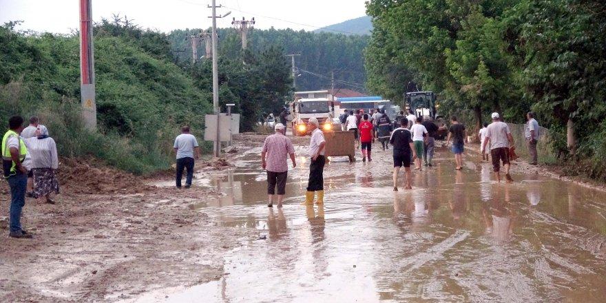 OTOYOL ŞANTİYESİNDEKİ TOPRAK KAYDI:Mahalleli isyan etti