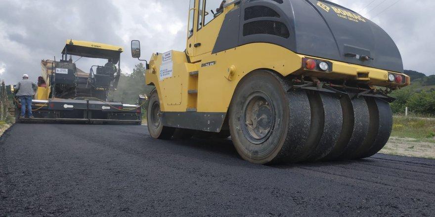 Köy yollarına 17 bin 650 ton asfalt