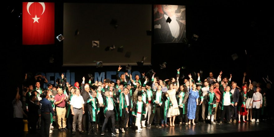 Engelsiz Yaşam Merkezi ilk mezunlarını verdi