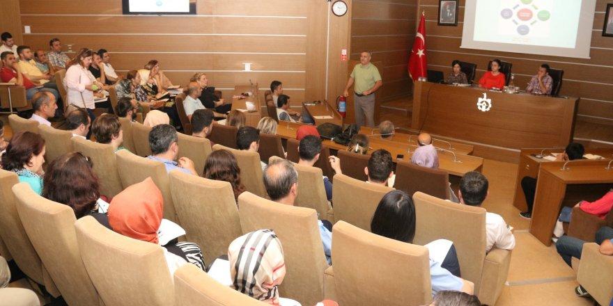 Büyükşehir ve ilçe belediye personeline bütçe eğitimi