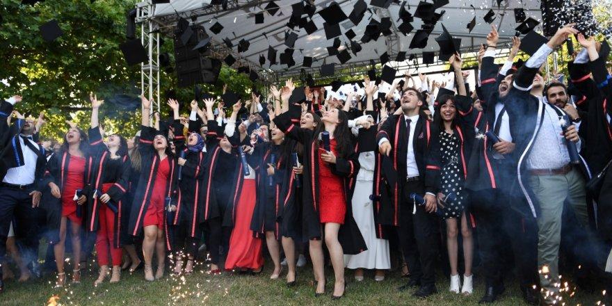 GTÜ'de mezuniyet coşkusu