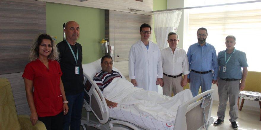 Romanyalı hasta şifayı Fatih Devlet'te buldu