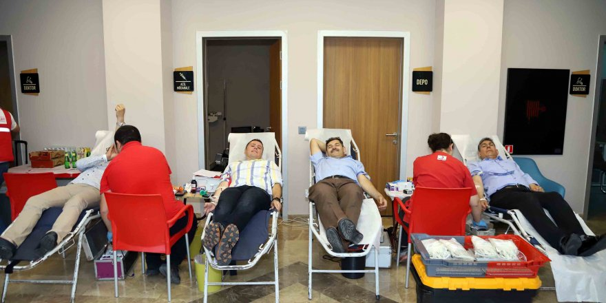 İSU personeli kan ve kök hücre bağışı yaptı