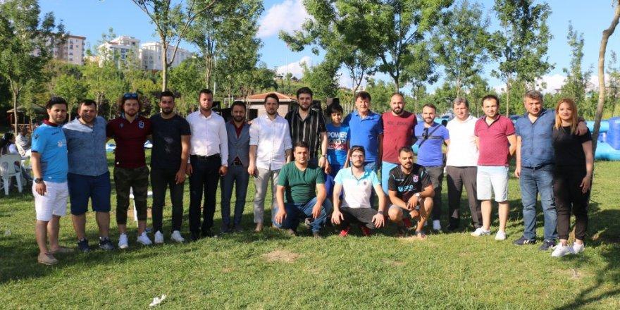Trabzonlu gençler piknikte buluştu