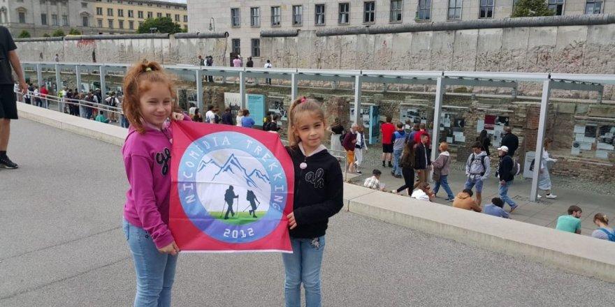 Melek Lina ve Beril Alya Avrupa'yı fethetti!