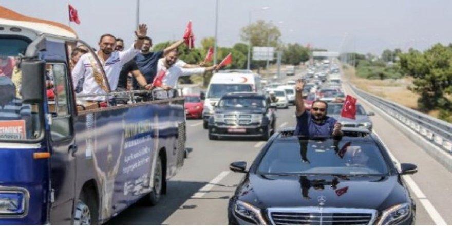 Antalya'da binlerce kişi Kırkpınar Başpehlivanı Ali Gürbüz için toplandı