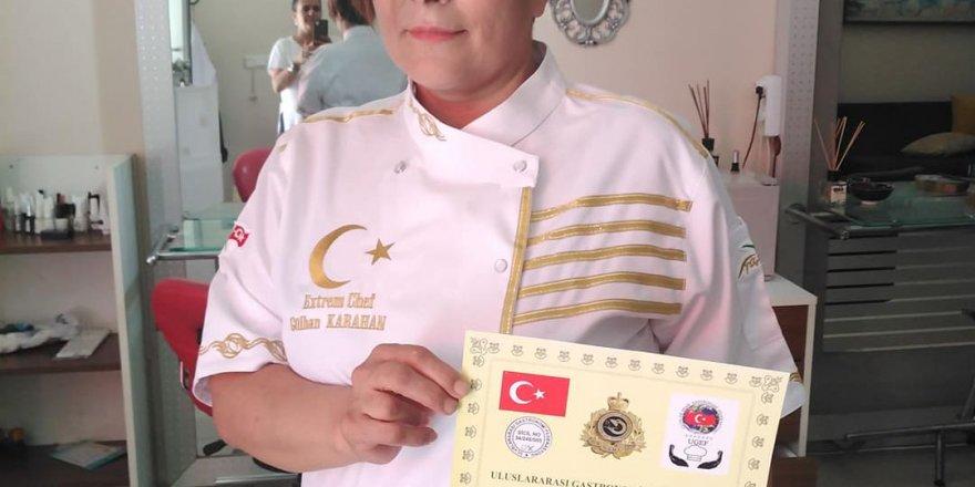 O artık Uluslararası bir aşçı