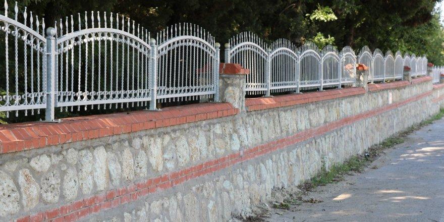 KOCAELİ: 140 mezarlığa 16 bin 750 metre taş duvar