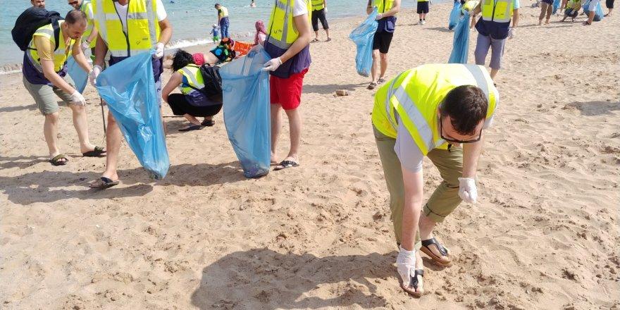 Koreliler çöp topladı