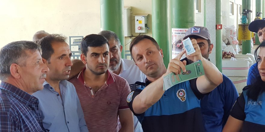 Polisten kurbanlık satıcılarına sahte para uyarısı