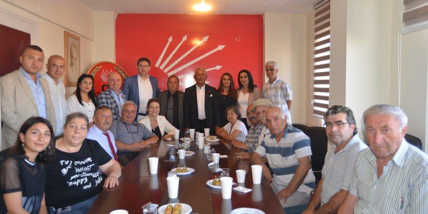 CHP geleneği bozmadı 12 İlçe örgütünde bayramlaştı